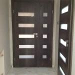 Nowoczesna stylizacja lub Drzwi wkolorze antracyt.